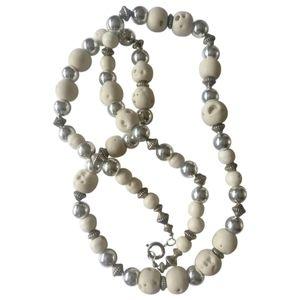 🇨🇦 Vintage genuine rough white corals necklace